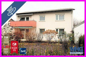 RESERVIERT: Zweifamilienhaus mit 2 Einzelgaragen und viel Grün, 71691 Freiberg am Neckar, Zweifamilienhaus