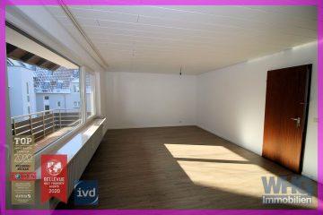 Modernisierte 3,5-Zimmer-Wohnung mit großem Balkon und Pkw-Stellplatz, 74385 Pleidelsheim, Etagenwohnung